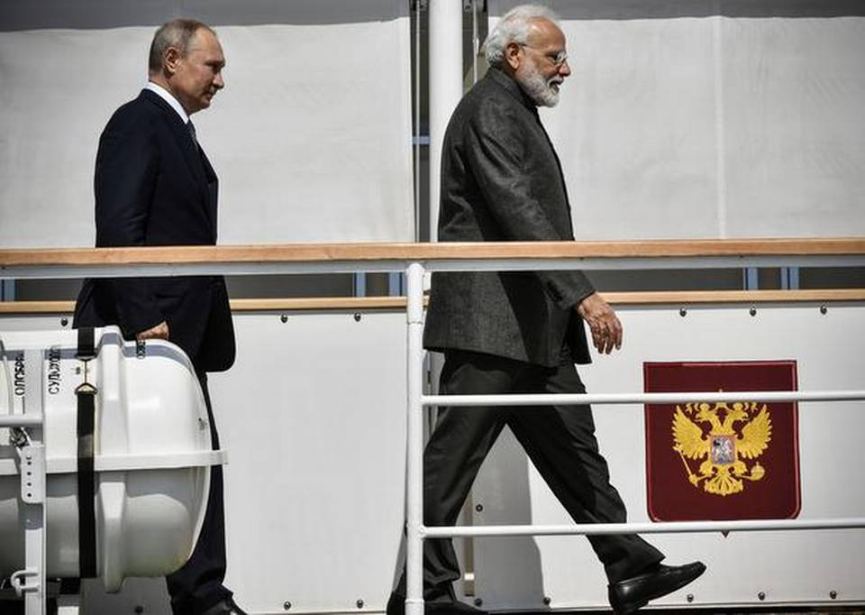 india-russia-ink-proposal-on-developing-chennai-vladivostok-sea-route
