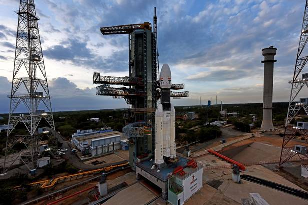 isro-calls-off-chandrayaan-2-launch-due-to-technical-glitch