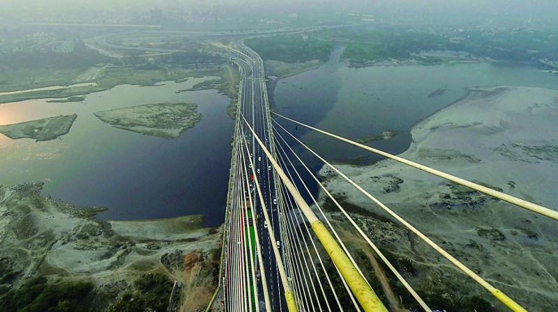 154-metre-high-viewing-box-selfie-points-delhis-signature-bridge-opens