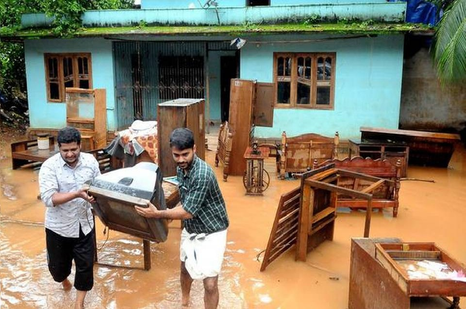 kerala-rains-rs10000-each-as-urgent-relief-to-flood-affected-families
