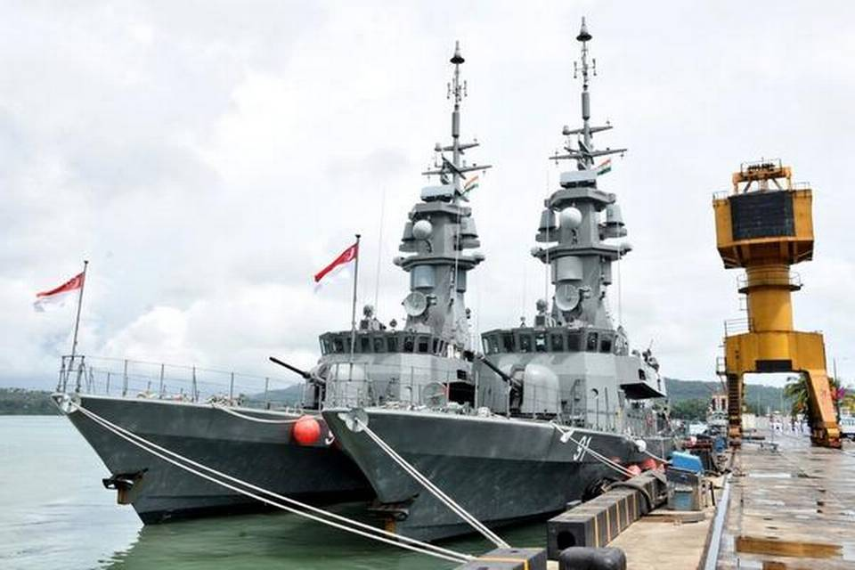 india-singapore-begin-sea-drills
