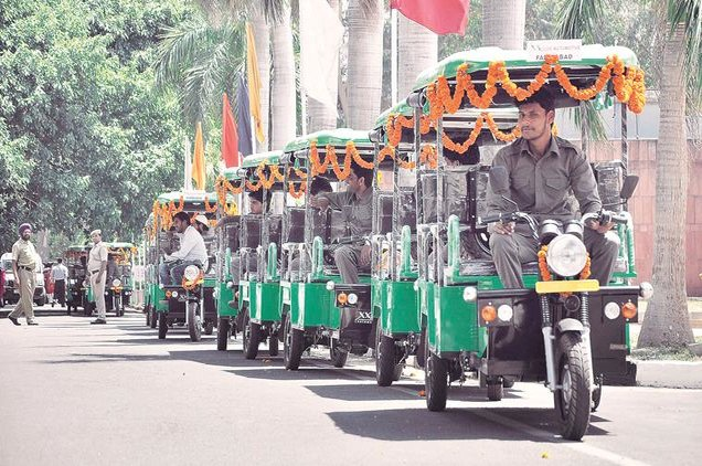 kochi-metro-rail-planning-to-introduce-e-rickshaws-to-service-remote