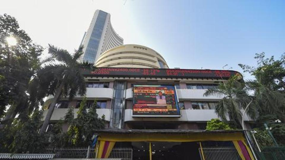 sensex-drops-over-70-points-in-early-trade-nifty-below