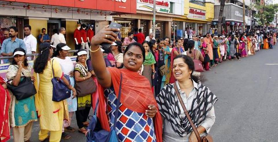 kerala-women-form-620-km-long-wall-to-uphold-gender-equality