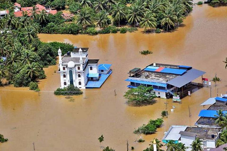 govt-disburses-10-crore-flood-relief-in-malappuram