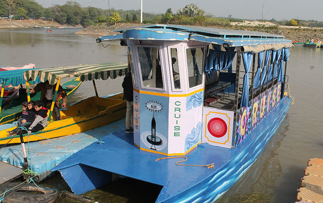 keralas-first-solar-powered-boat-launched